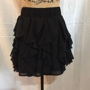 H & M black ruffle skirt